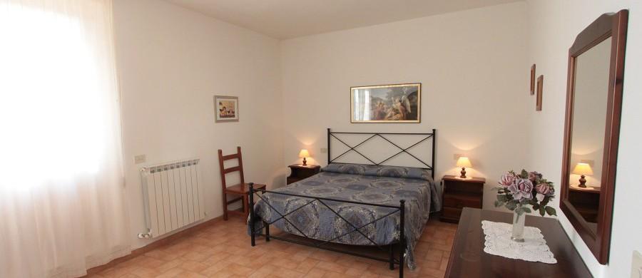 Alloggi-montegonfoli-3-camera-da-letto
