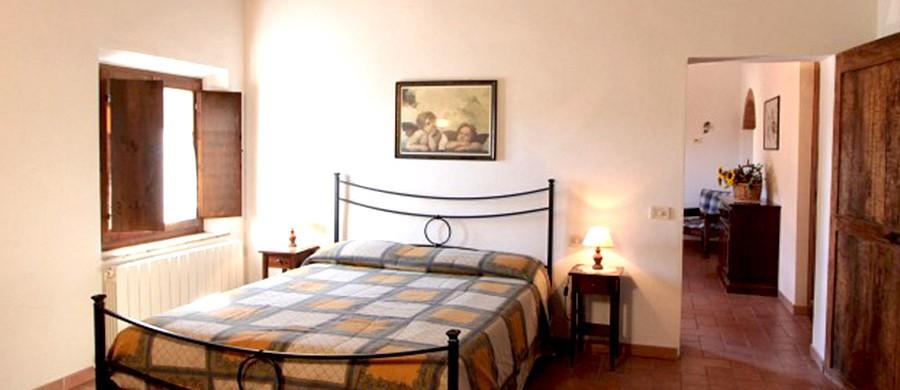 Alloggi-montegonfoli-6-camera-da-letto